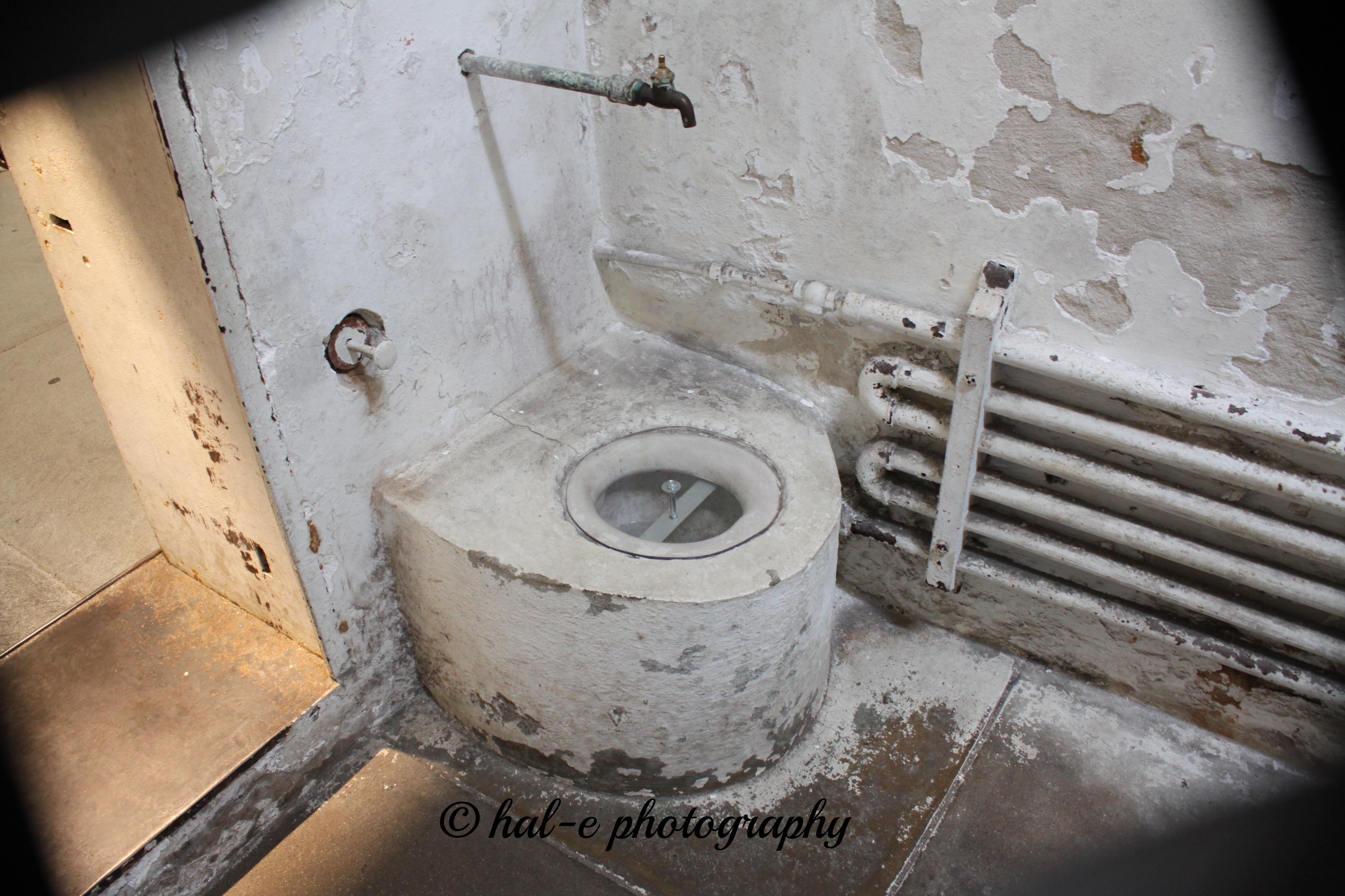 Easter State Prison Toilet - Faucet